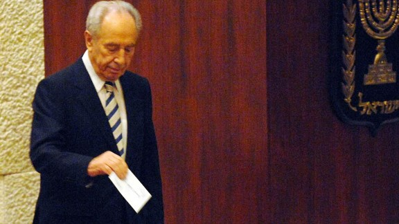 Israel's Vice Premier and presidential candidate Shimon Peres casts his ballot during voting at the Knesset, the Israeli parliament, on June 13, 2007, in Jerusalem. Peres' two rivals withdrew from the race after Peres won the first round of voting, clearing the way for him to become Israeli's ninth president.