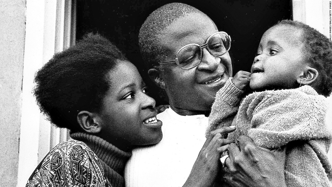 Tutu and his wife have four children together: Trevor, Theresa, Naomi and Mpho.