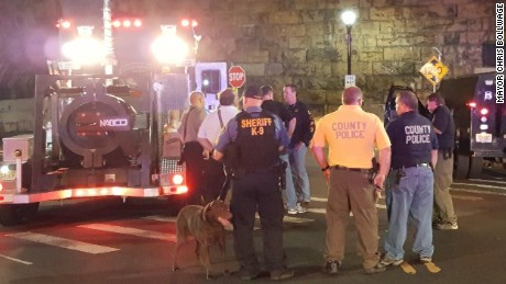NY, NJ bombings: Authorities suspect possible terror cell, official says