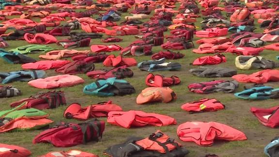 uk refugee lifejackets soares pkg_00000000.jpg