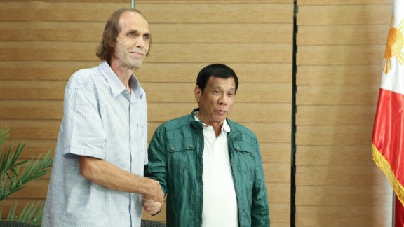 Freed Norwegian hostage Kjartan Sekkingstad and Philippines President Rodrigo Duterte.