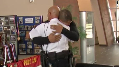 officer saves drowning man reunited after 19 years orig nws_00004716