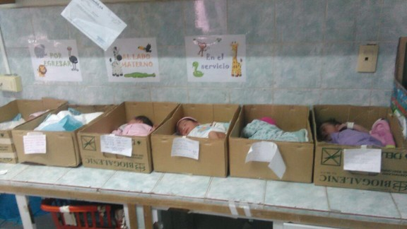 "CNN obtained this photo showing a newborn babies inside cardboard boxes at Domingo Guzmán Lander Hospital in Barcelona, Venezuela. The Venezuelan opposition party Mesa de la Unidad Democratica (MUD), said the photos were snapped by a hospital employee who did not want to be identified. The Social Security Director Carlos Rotondaro responded on Twitter, saying an investigation is being launched and that ""in no way will these actions, taken without consultation by a professional of the hospital, be justified."""