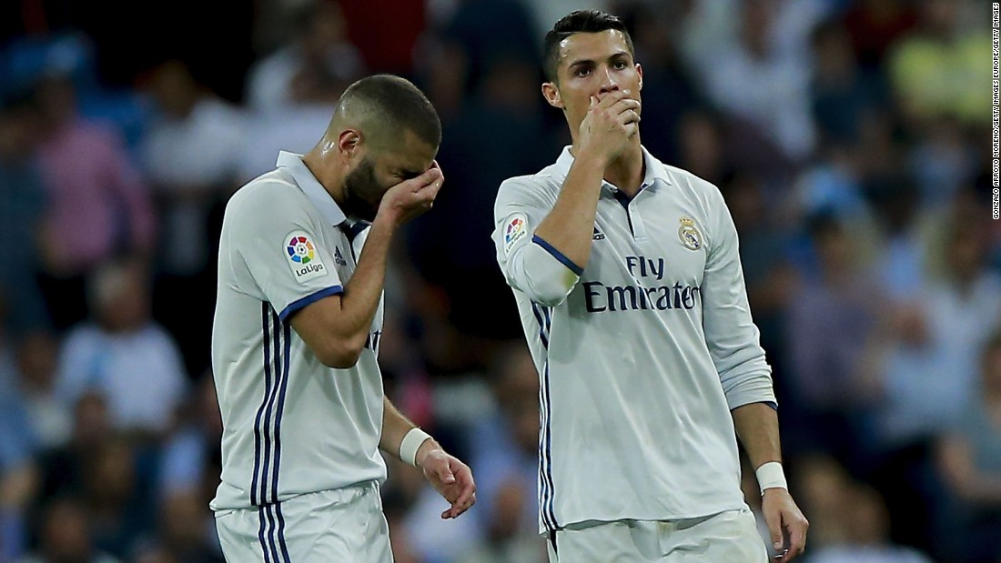 Real Madrid missed the chance to set a new record of consecutive La Liga wins, after a 1-1 draw against Villarreal at the Bernabeu.