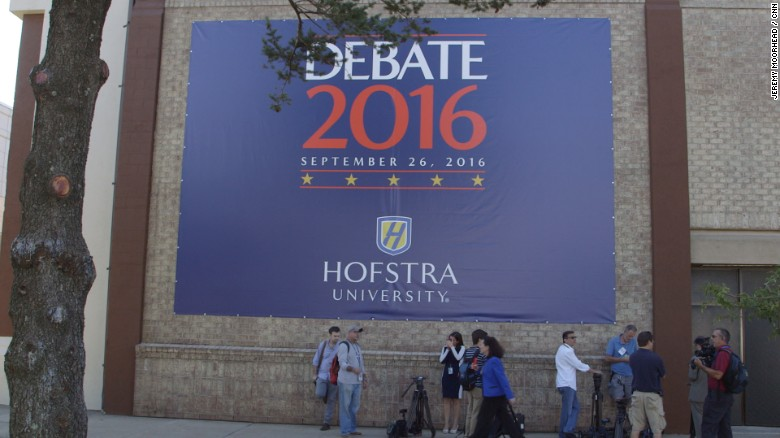 Clinton, Trump prepare to square off at first debate