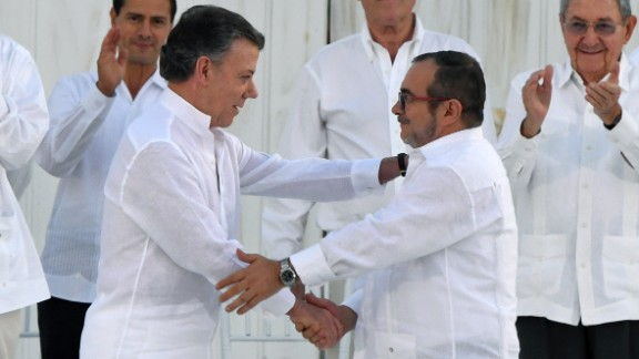 In a September ceremony, Santos and Londoño wore white, to symbolize peace.