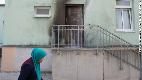 Traces of smoke are still visible after the attack at the Dresden mosque.