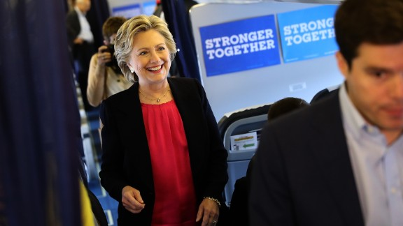 WHITE PLAINS, NY - SEPTEMBER 27:  Democratic presidential nominee former Secretary of State Hillary Clinton prepares to speak to reporters aboard her campaign plane before departing from Westchester County Airport on September 27, 2016 in White Plains, New York. Hillary Clinton is campaigning in North Carolina a day after facing off with Republican presidential nominee Donald Trump in the first presidential debate.  (Photo by Justin Sullivan/Getty Images)