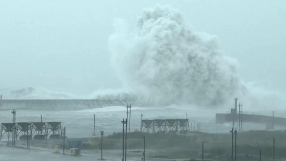 nccorig weather Typhoon Megi landfall_00003919.jpg