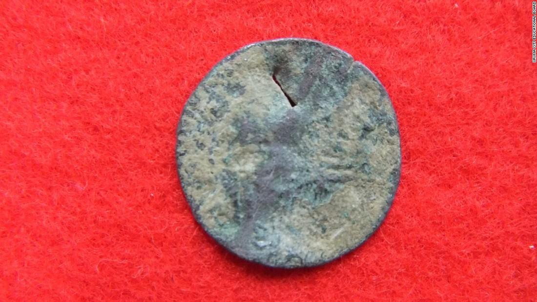 """I couldn't believe they'd found coins from the Roman empire in Kasturen castle,"" archiologist Hiroyuki Miyagi, from Okinawa International University, told CNN. This is the front of one of the Ottoman coins."