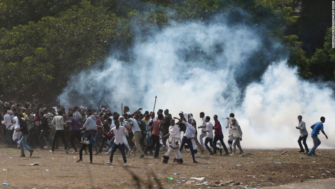 According to AFP photographer Zacharias Abubeker the event quickly degenerated, with protesters throwing stones and bottles and security forces responding with baton charges and tear gas grenades.