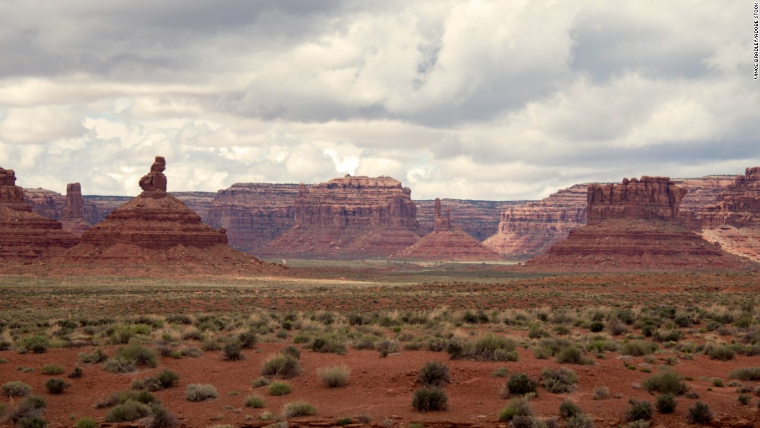 <strong>Bears Ears, Southeastern Utah</strong>—Five Native American tribes have joined forces to lobby President Barack Obama to name the 1.9 million-acre Bears Ears area a national monument. It includes cliff dwellings, archaeological sites and ancient roads. The trust notes that artifacts are being looted and energy development threatens the land. <br />