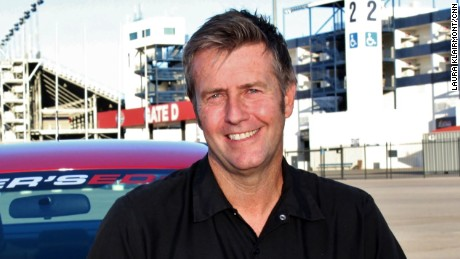 CNN Hero and former racecar driver Jeff Payne started Driver's Edge to educate young drivers about road safety.