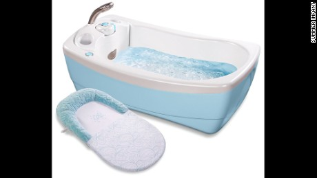 Summer Infant Lil' Luxuries bathtub