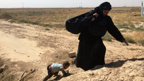 Iraq: Families flee ahead of battle for ISIS-held Hawija