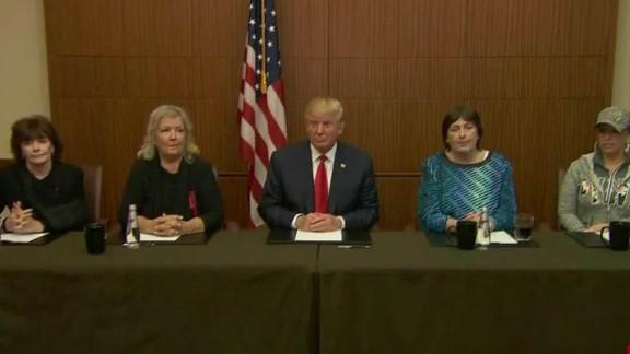 donald trump debate clinton accusers st louis photo op_00000000.jpg