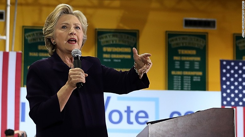 Clinton camp hoping to take advantage of GOP feud