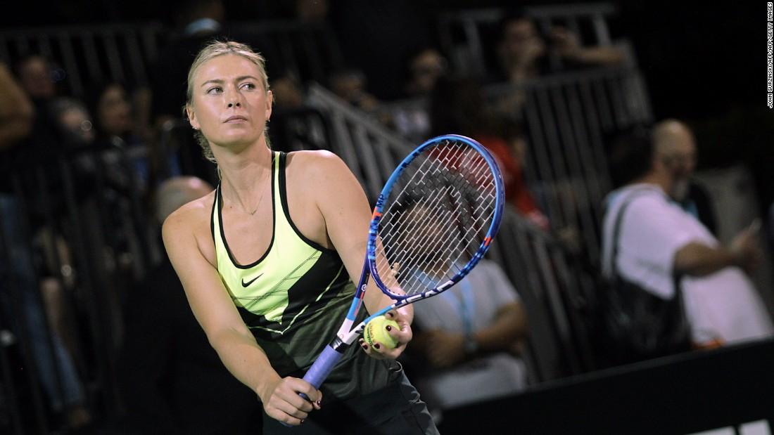 Fun And Laughs As Sharapova Returns To The Court Cnn