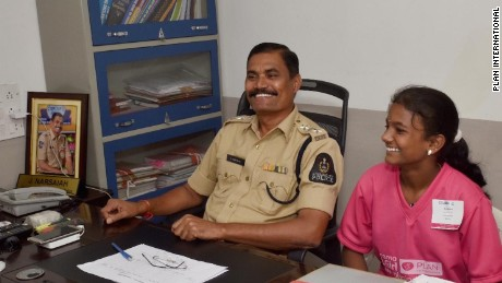13-year-old girl takes over Indian police station - CNN