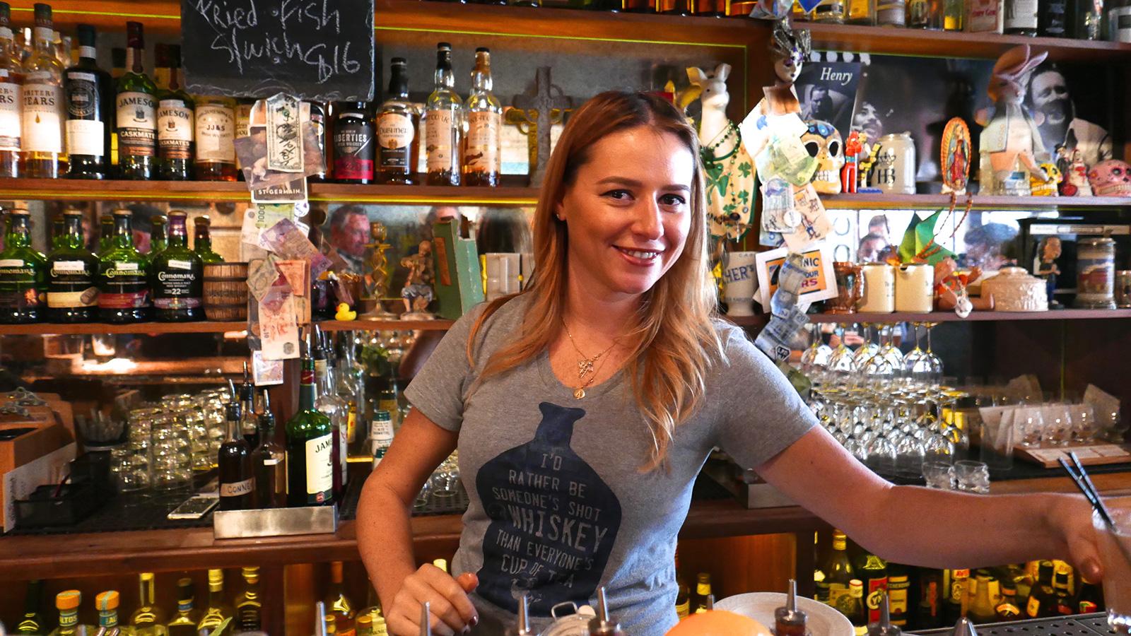 World\'s best bar in 2016? Dead Rabbit in Manhattan | CNN Travel