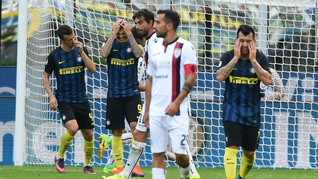Things came to a head when Icardi won a penalty in the 25th minute and was jeered by his own supporters as he stepped up to take it. The striker missed, the Curva Nord cheered, and Inter went on to lose the game 2-1.