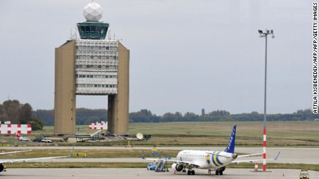 A plane carrying Fenerbahce players was forced to make an emergency landing at Budapest's Liszt Ferenc airport.