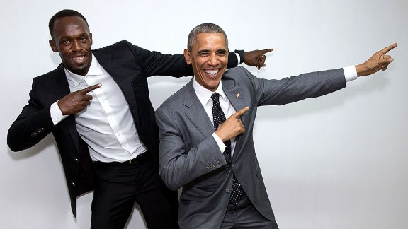 Obama poses with the world
