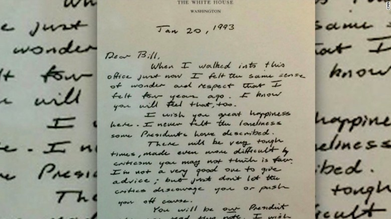 Hillary Clinton posts George H.W. Bush letter left as he left