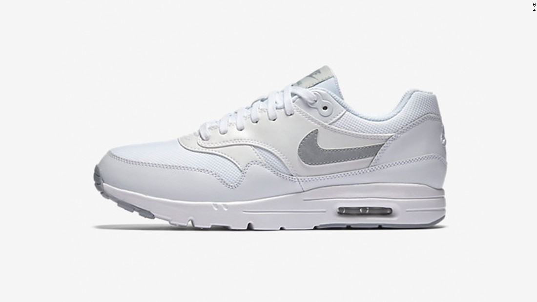 new product f668f 31fe7 Introduced in 1987 with their characteristic sole air bubbles, the Nike Air  Max39