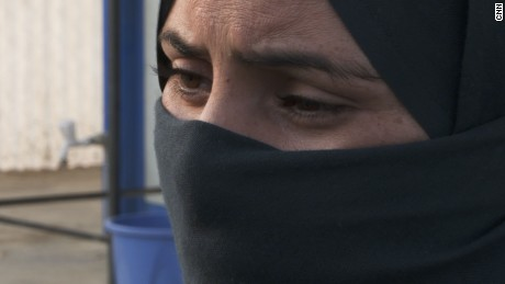 women flee isis to debaga
