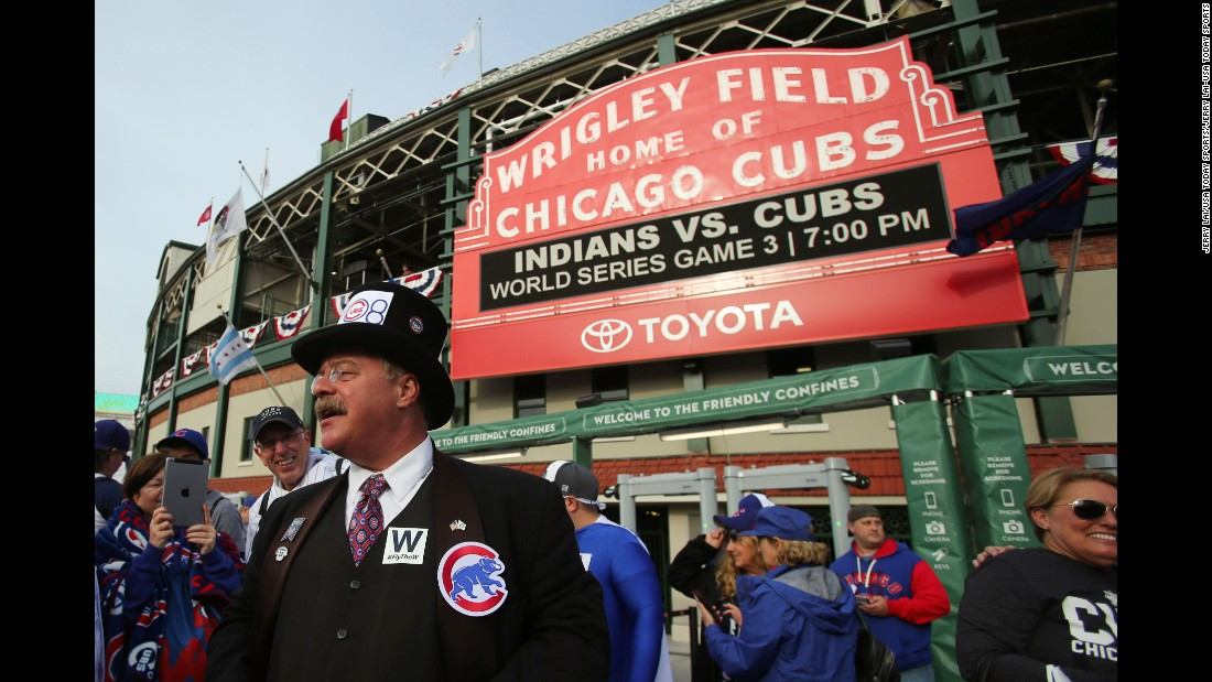 A Teddy Roosevelt impersonator stands outside Wrigley Field prior to Game 3.