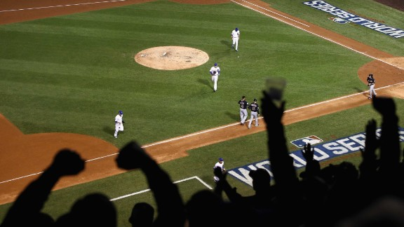 CHICAGO, IL - OCTOBER 28:  Fans cheer after the fifth inning in Game Three of the 2016 World Series between the Chicago Cubs and the Cleveland Indians at Wrigley Field on October 28, 2016 in Chicago, Illinois.  (Photo by Ezra Shaw/Getty Images)