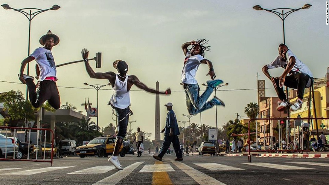 "It started with an Instagram feed that curates great photography of Senegal, such as this shot of breakers in front of Dakar's obelisk by <a href=""https://www.instagram.com/siaka.s.traore/?hl=en"" target=""_blank"">@siaka.s.traore</a>."