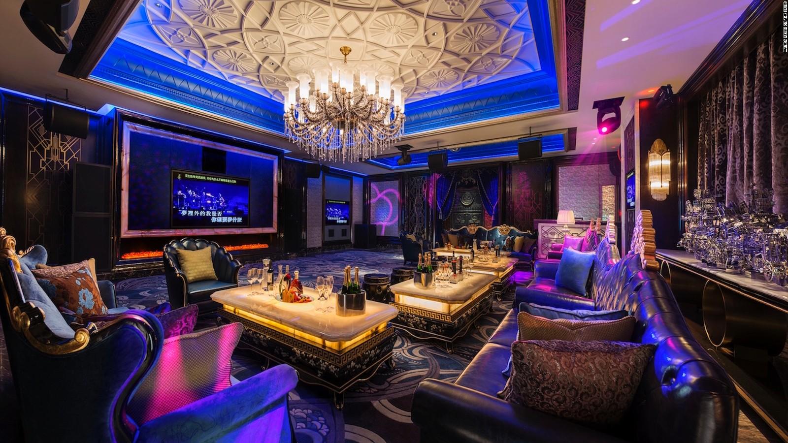 Wanda Reign On The Bund Seven Star Hotel In Shaghai Cnn Travel
