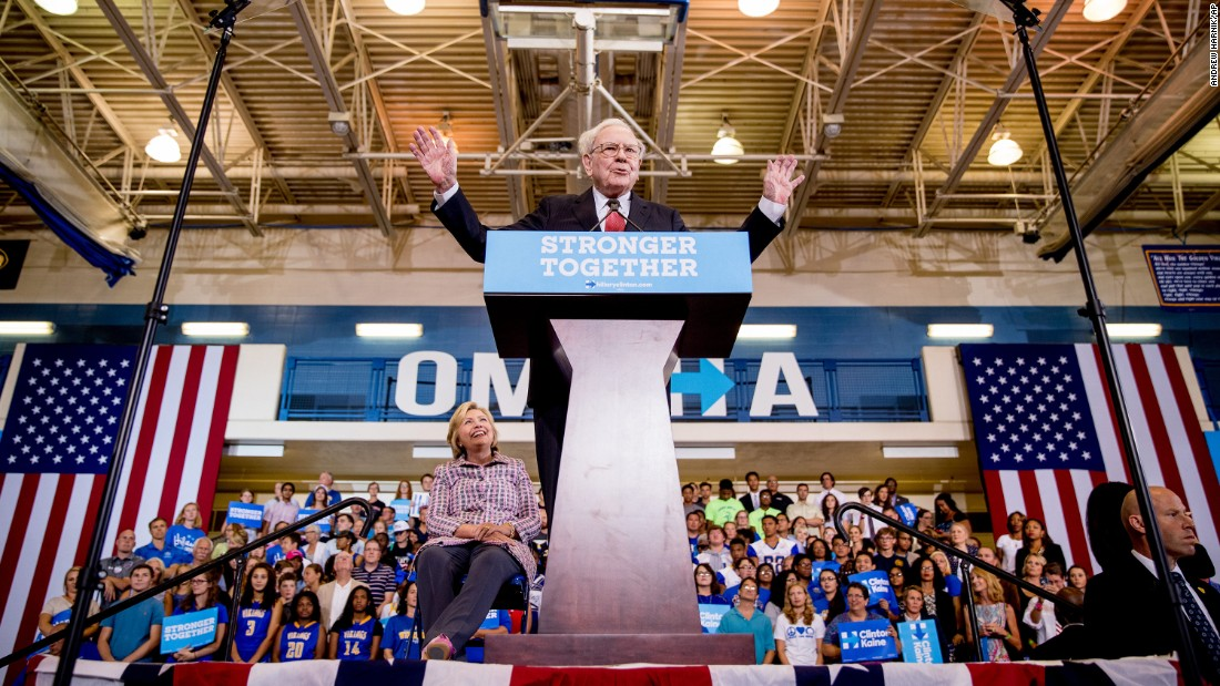 "Billionaire Warren Buffett speaks at a Clinton rally in Omaha, Nebraska, on August 1, 2016. Buffett <a href=""http://money.cnn.com/2016/08/01/news/economy/warren-buffett-donald-trump-tax-returns/"" target=""_blank"">challenged Trump</a> to discuss his tax returns publicly."