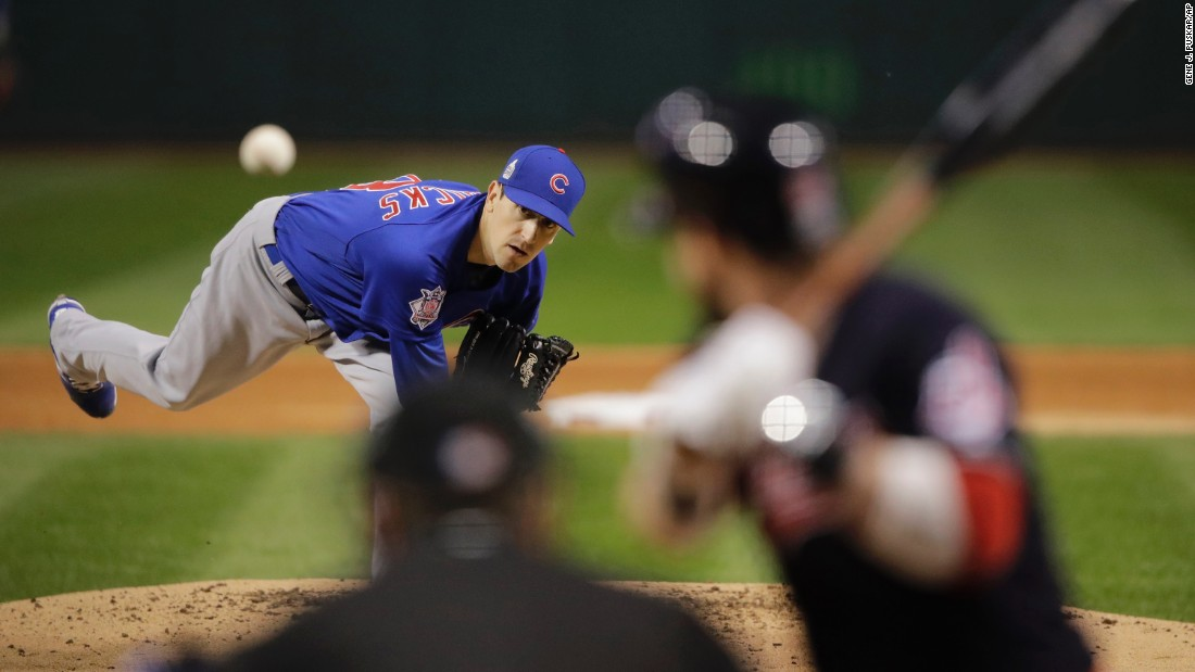 Kyle Hendricks of the Cubs throws during the first inning of Game 7.
