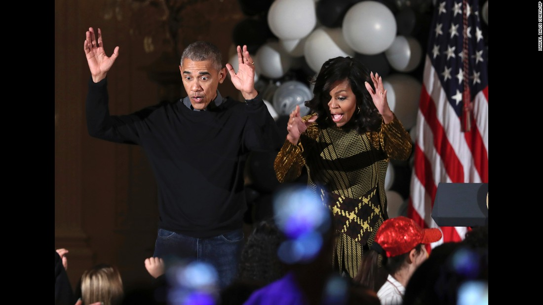 "U.S. President Barack Obama and first lady Michelle Obama <a href=""http://www.cnn.com/videos/politics/2016/10/31/obama-first-lady-white-house-halloween-thriller-vo.cnn"" target=""_blank"">dance to Michael Jackson's ""Thriller""</a> as they welcome trick-or-treaters to the White House on Monday, October 31."