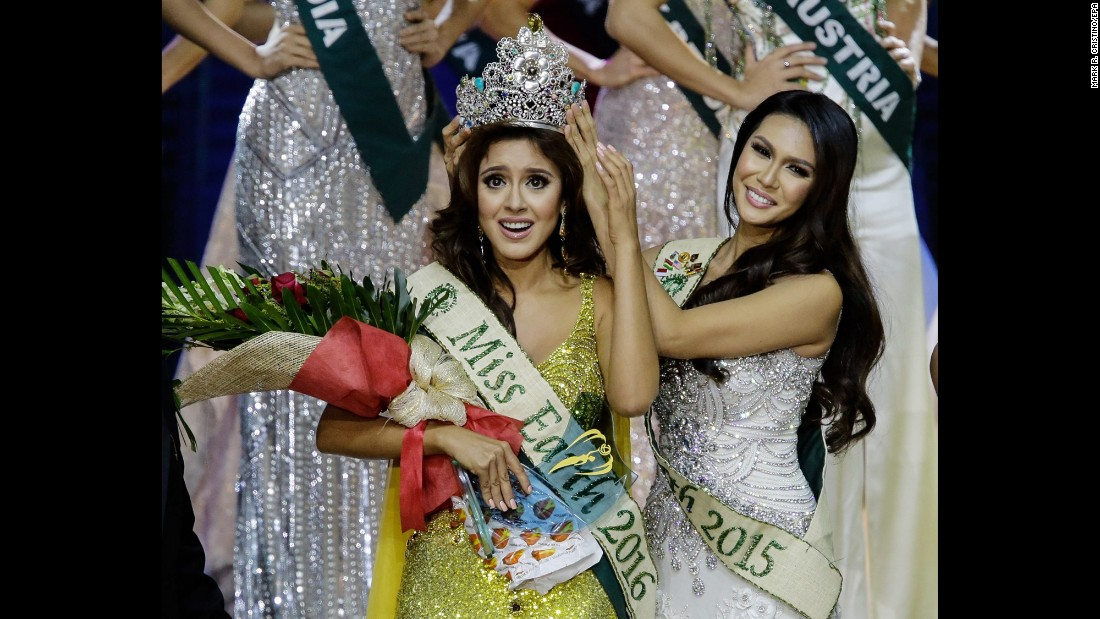 Katherine Espin of Ecuador is crowned Miss Earth in Pasay, Philippines, on Saturday, October 29. The annual beauty pageant recognizes women who are both beautiful and environmentally conscious.