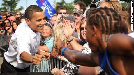 Democratic Presidential candidate Sen. Barack Obama greets supporters on August 7, 2007 in Chicago, Illinois.