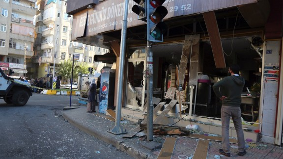 People survey the damage after an explosion in the Turkish city of Diyarbakir, on November 4.