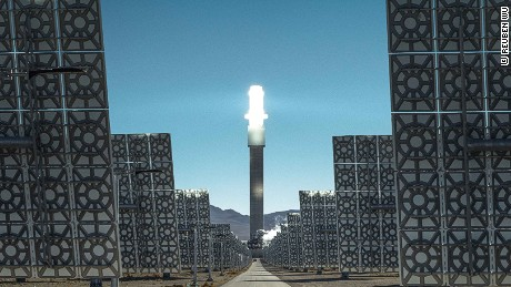 Photographer captures eerie beauty of Nevada solar power plant