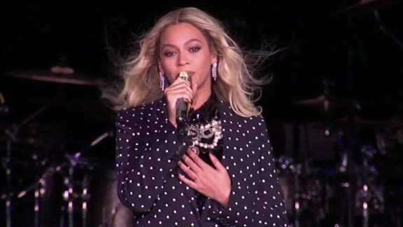beyonce hillary clinton daughter woman president im with her cleveland ohio sot _00004515.jpg