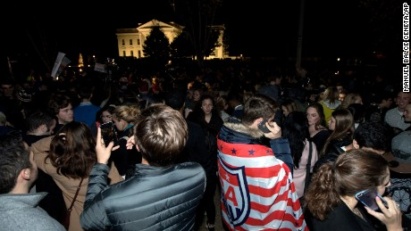 Crowd are gathered in front the White House in Washington, Wednesday, Nov. 9, 2016, waiting for the results of the presidential election. (AP Photo/Manuel Balce Ceneta)