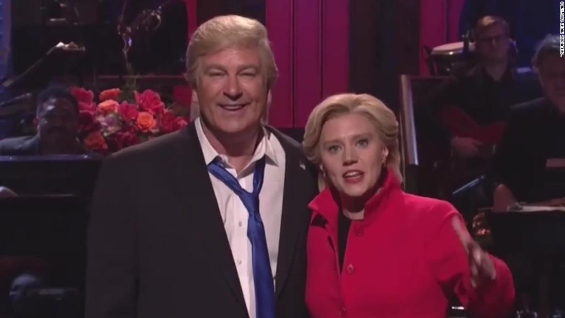 SNL TikTok With Elizabeth Warren and Kate McKinnon Goes