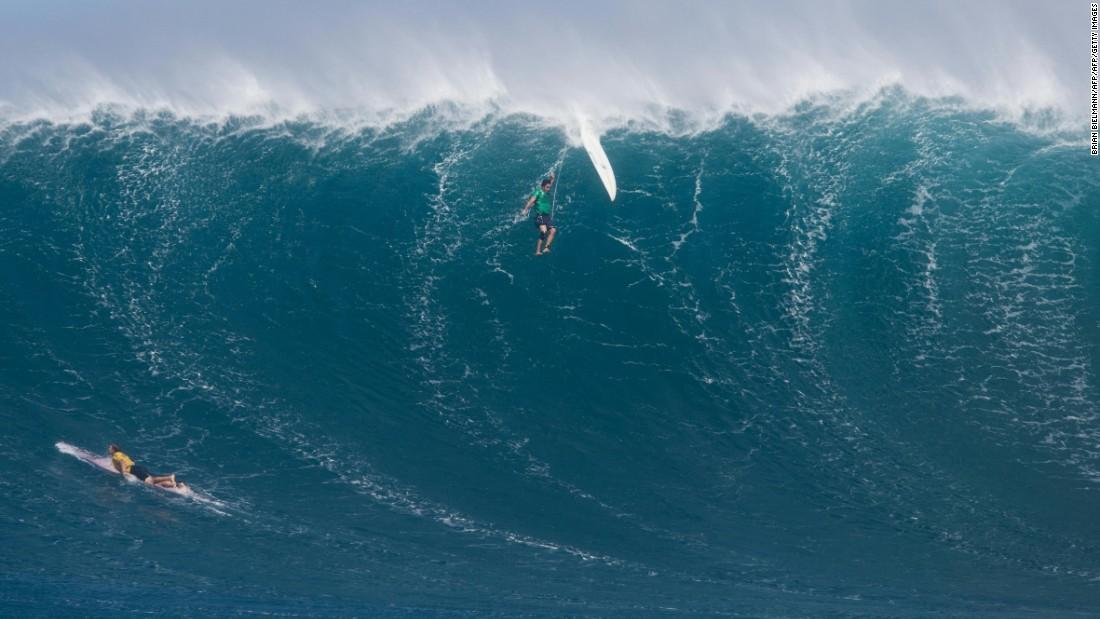 https://cdn.cnn.com/cnnnext/dam/assets/161114112119-big-wave-surfing-jaws-wipeout-super-169.jpg