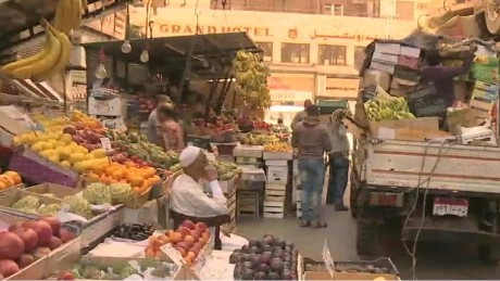 Egypt grapples with economic crisis
