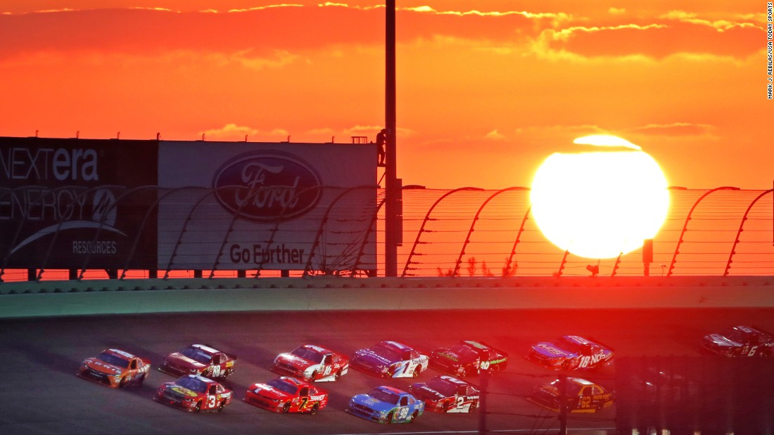 "The sun begins to set on the NASCAR season as the Xfinity Series race takes place at Homestead-Miami Speedway on Saturday, November 19. <a href=""http://www.cnn.com/2016/11/14/sport/gallery/what-a-shot-sports-1115/index.html"" target=""_blank"">See 34 amazing sports photos from last week</a>"