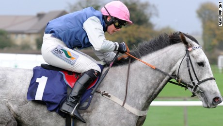 Racehorse Actinpieces refuses to be ridden by male jockeys