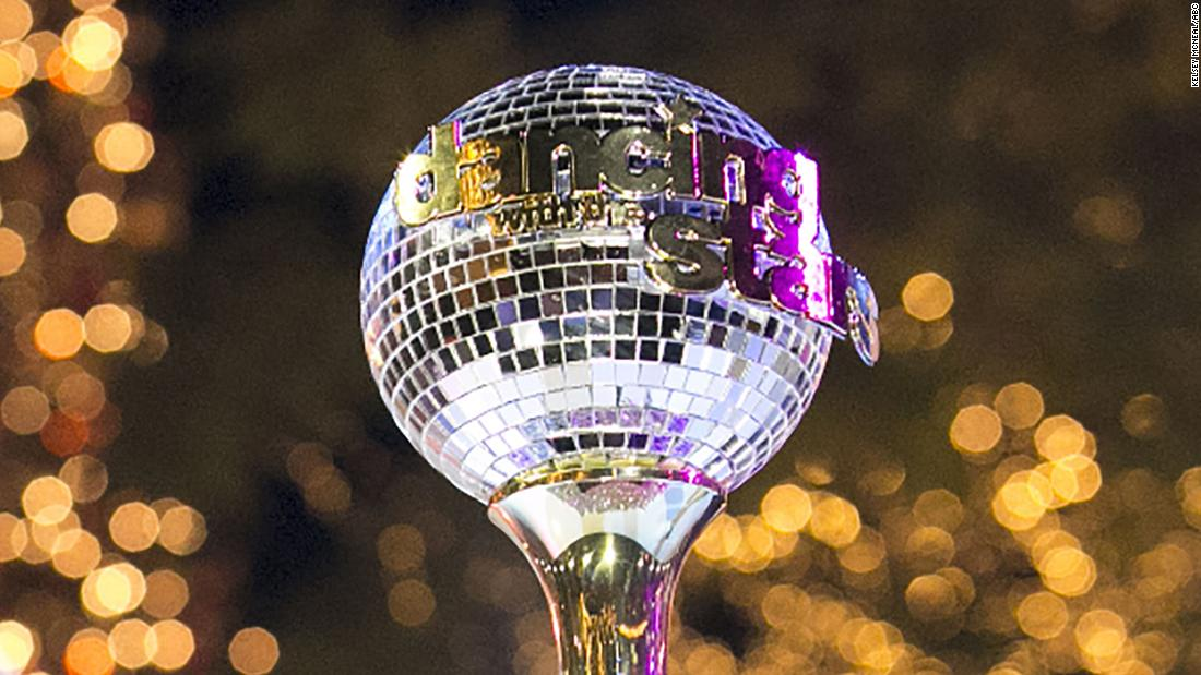 'Dancing With the Stars' shock elimination leaves fans shook