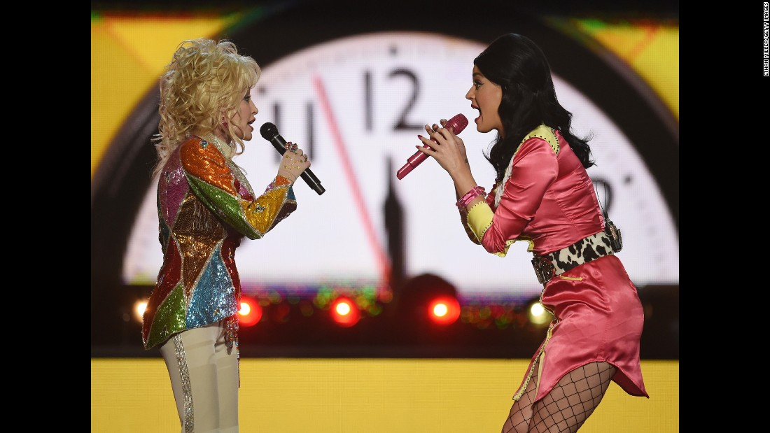 "Pop star Katy Perry <a href=""http://www.cnn.com/2016/04/04/entertainment/acm-2016-feat/index.html"" target=""_blank"">performs with country legend Dolly Parton</a> at the Academy of Country Music Awards on Sunday, April 3. They opened with Parton's classic ""Coat of Many Colors"" before singing ""Jolene"" and ""9 to 5."""